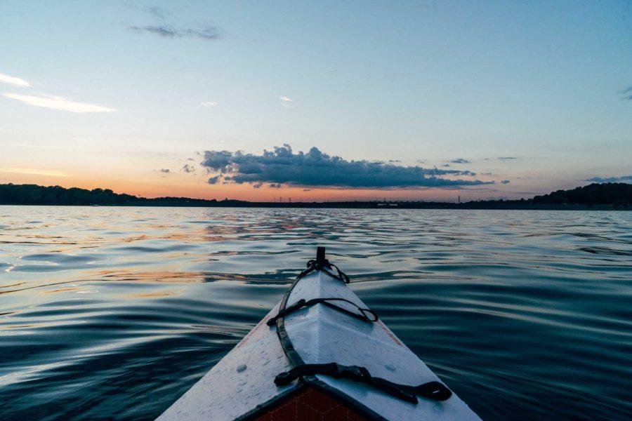 podsumowanie czwartego miesiąca lipca nad jeziorem